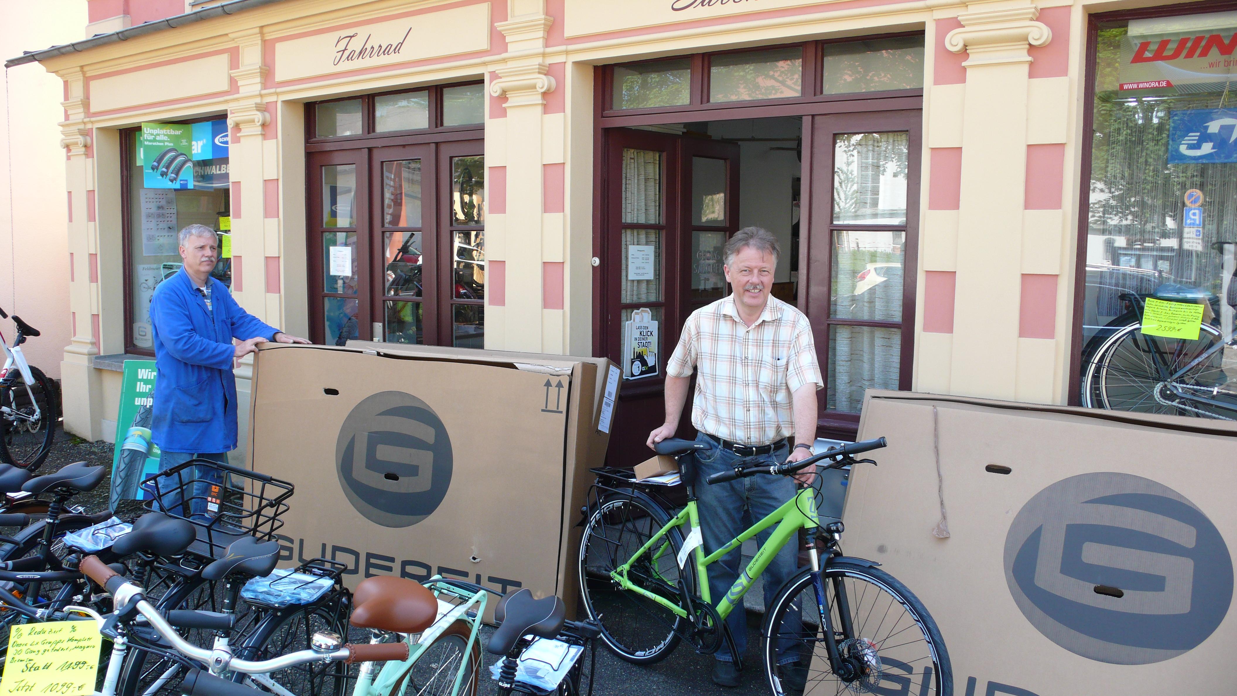 ab dem 27.04.20 wieder zu unseren altgewohnten Öffnungszeiten für ihren Bedarf an Fahrrädern und Fahrradzubehör sowie natürlich auch mit der Fahrradreparatur für sie bereit stehen
